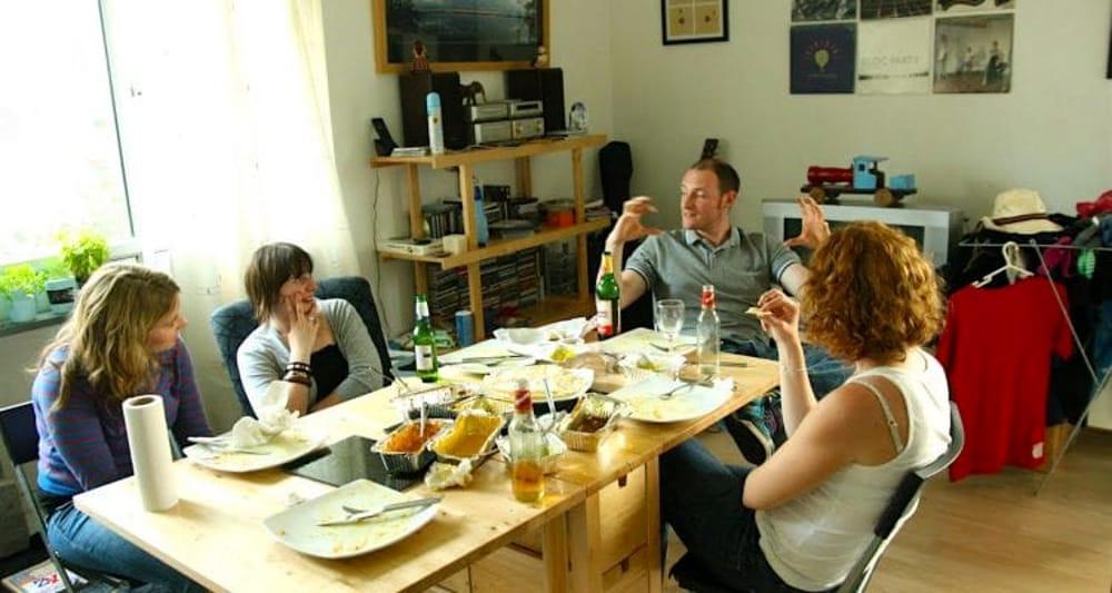 Le nuove regole del galateo a tavola trentino il - Regole del galateo a tavola ...