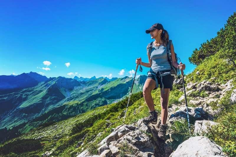 benefici trekking